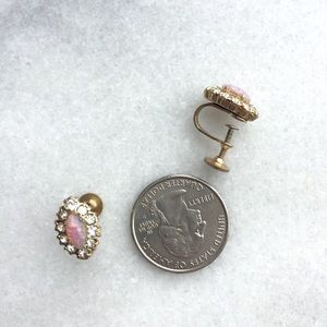 Vintage Jewelry - Vintage 1950s Dainty Faux Opal Screw Back Earrings